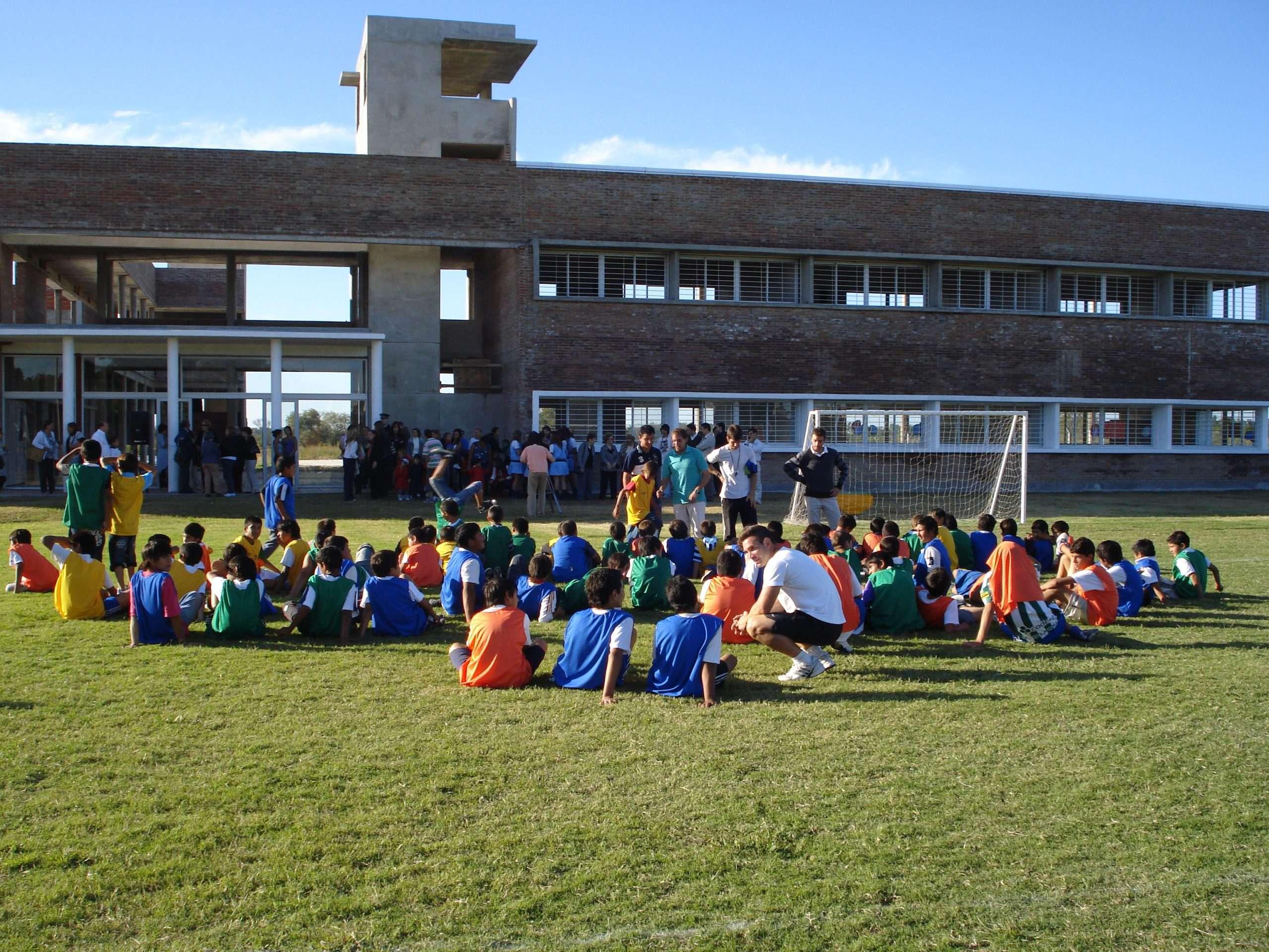 2 - Al Centro educacional Cuatro Vientos asisten más de 100 chicos